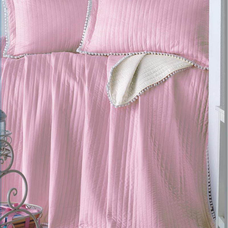 quilted bedspread bedding set with pompoms