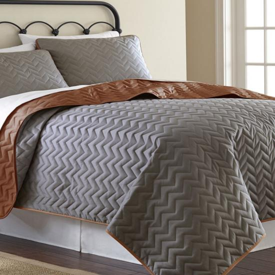 Microfiber Embossed 3 Pc Full Queen Quilt Set
