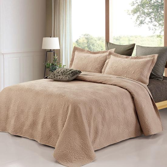 satin filled bedspread with pillow shams